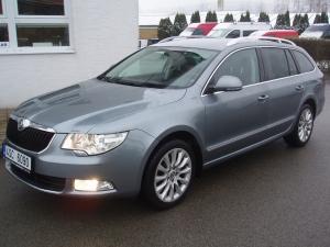 Škoda Superb Kombi 2,0TDI 103kW/140PS Navigace Parkovací senzory Automatická klima - v provozu od 07/2012