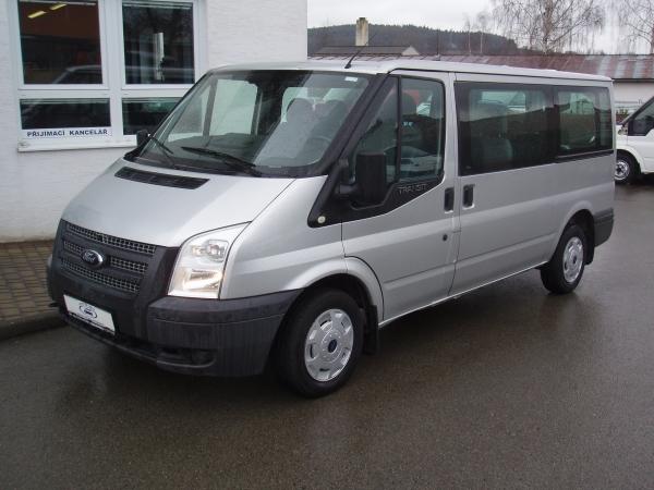Ford Transit 300MWB L2H1 2,2TDCi 92kW/125PS Minibus 9 míst Trend 2xposunovací dveře - Prodáno