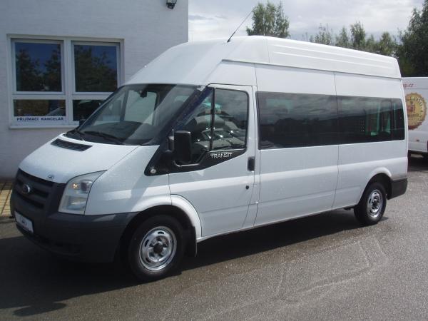 Ford Transit 300L 2,2 TDCi 110 PS minibus 9 míst Vysoká střecha Dlouhý Dvojitá Klimatizace - Prodáno