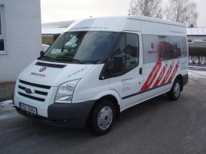 Ford Transit 300MWB L2H2 2,2TDCi 103kW/140PS minibus 9 míst Dvojitá klima Tempomat - prodáno