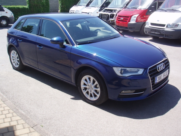 Audi A3 1,4TFSi Atrraction 122PS Hatchback - v provozu od 05/2013