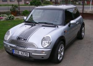 Mini Cooper 1,6i 85 kW Klima Litá kola Pravidelný servis - v provozu od 03/2003